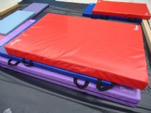 "8FT x 4FT 6"" x 8"" THICK (610gsm) Safety Matress Crash Mat (RED)"